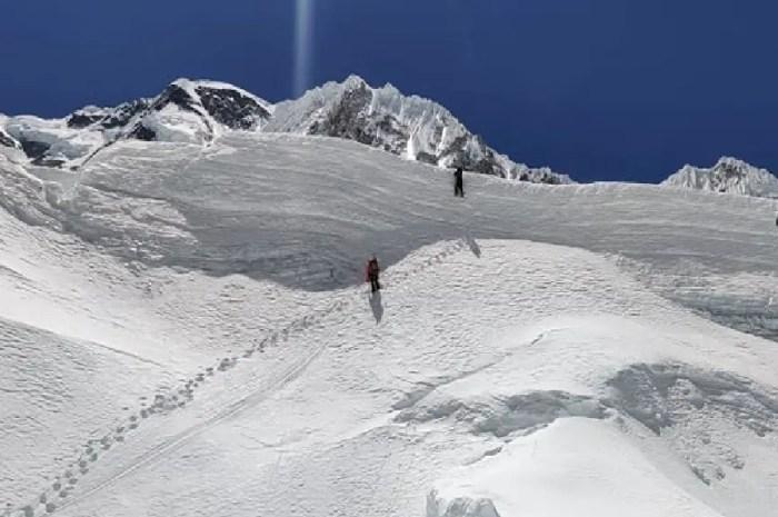 Everest : entre les crevasses géantes et les blocs branlants hauts comme des immeubles