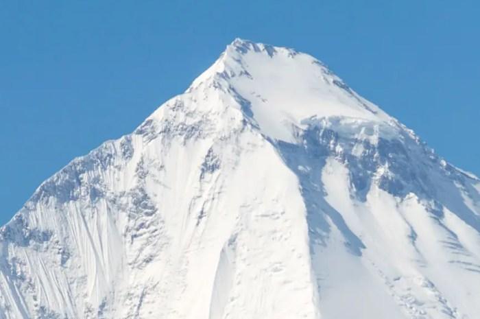 Après l'Everest, le covid attaque aussi le camp de base du Dhaulagiri !