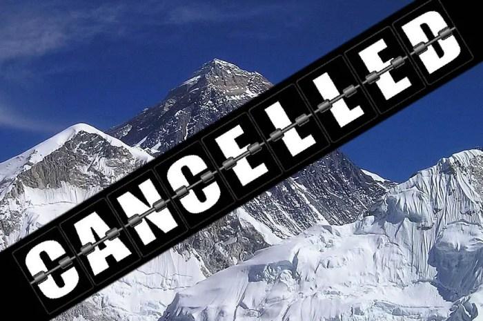 Everest : des expéditions sont interrompues à cause du covid