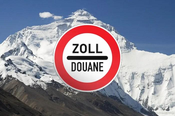 Par peur du covid, la Chine veut marquer sa frontière au sommet de l'Everest
