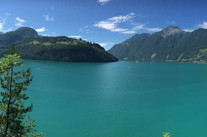 Un village englouti découvert au fond d'un lac des Alpes suisses !