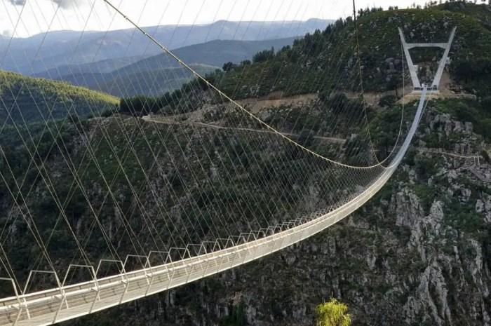 Le pont pédestre suspendu le plus long du monde vient d'être inauguré