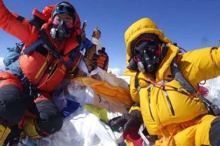 Record : une femme au sommet de l'Everest en moins de 26 heures