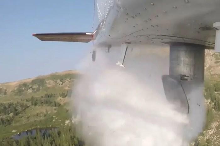 Des poissons largués par avion dans un lac à 3.750 mètres d'altitude
