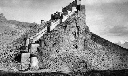 Kampa Dzong Tibet