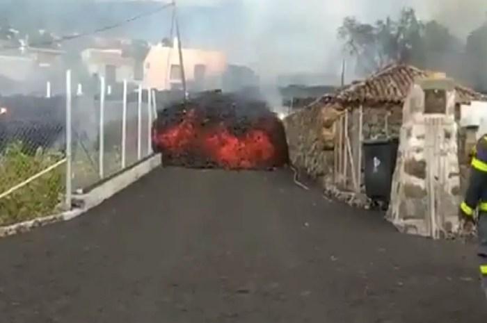 Eruption à La Palma : quand la montagne engloutit des maisons entières