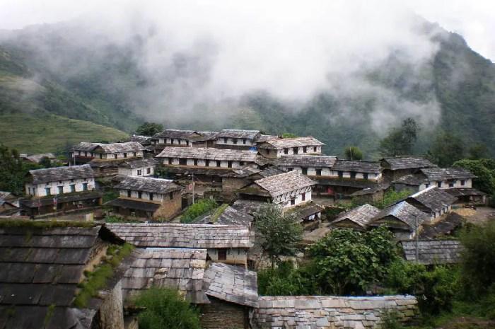 Des touristes piégés par un glissement de terrain sur le Tour des Annapurna