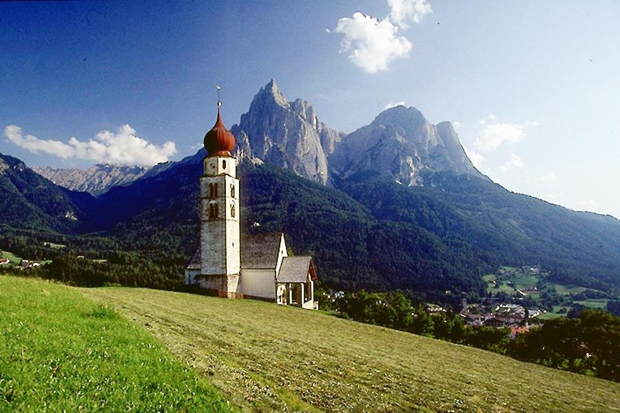 Alpe di Siusi  e lAltopiano dello Sciliar  Dolomiti