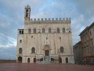 Gubbio, dopo il Covid riaprono Palazzo dei Consoli e funivia