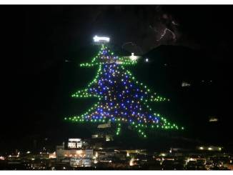 Gubbio, ripartono i lavori di allestimento dell'Albero di Natale