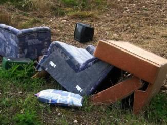 Abbandono dei rifiuti, telecamere e fototrappole installate a Gualdo Tadino
