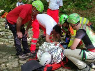 Escursionista infortunata sul Monte Cucco, salvata dal Sasu