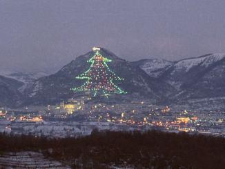 Natale, l'Albero di Gubbio sarà acceso dalla Grotta della Natività di Betlemme