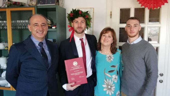 110 e lode per Massimo Biccari, laurea magistrale in ingegneria informatica