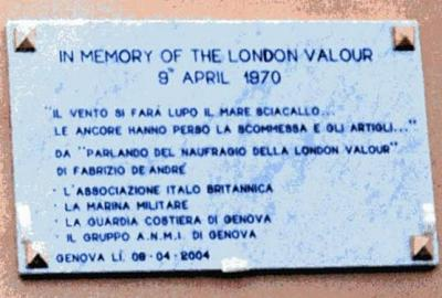 Lapide in ricordo del naufragio della nave London Valour avvenuto nelle acque prospicenti il porto di Genova il 09.04.1970