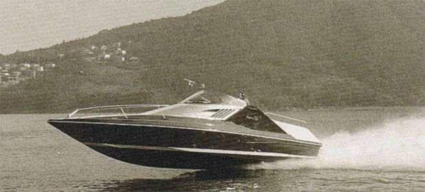 """Riva 2000 spinto da eliche di superficie, progetto Renato """"Sonny"""" Levi"""
