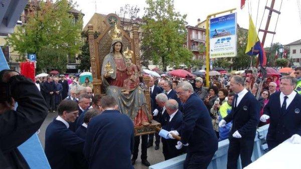 La Madonna di Grado durante la processione