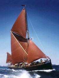 barca-vela-latina