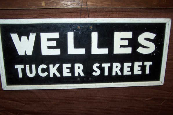 welles-sign