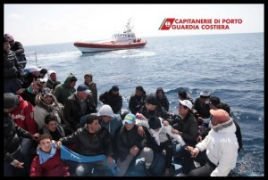 foto-immigrati-lampedusa-6[1]