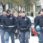 poliziotti