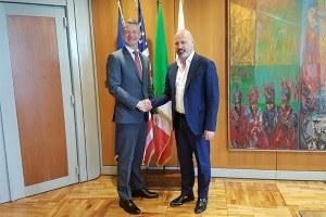 Incontro di Bonaccini col console generale Usa a Firenze Benjamin Wohlauer