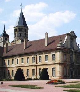 20 ago Cluny-Abtei-Ostfluegel-mtob