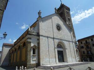 monumenti-a-sarzana-cosa-visitare-Cattedrale-di-Santa-Maria-Assunata2