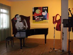 Il palco della Civica scuola di musica