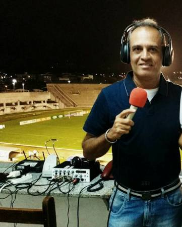 Ivan Nunes no Almeidão narrando Botafogo X Atlético para Rádio Oeste