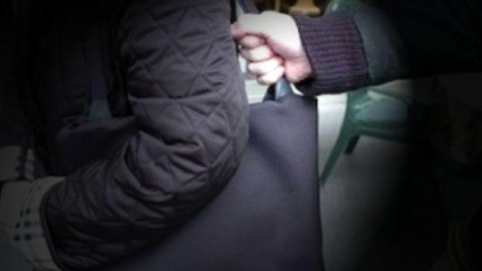 Aveva scippato una donna a Città di Castello, Polizia arresta 30enne