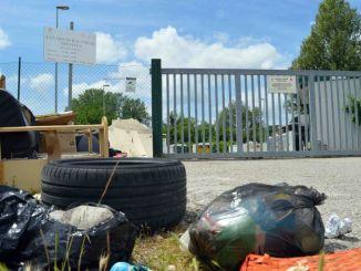 Abbandono rifiuti centro raccolta Trestina, identificati i responsabili
