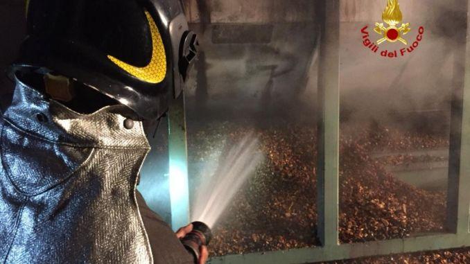 Incendio essiccatore in azienda di Trestina che produce pellet