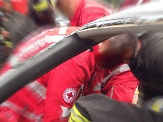 Due feriti auto fuori strada su E45 incidente stradale Città di Castello