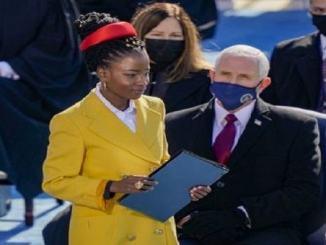 Una creazione artistica locale sul palco dell'Inauguration Day di Biden