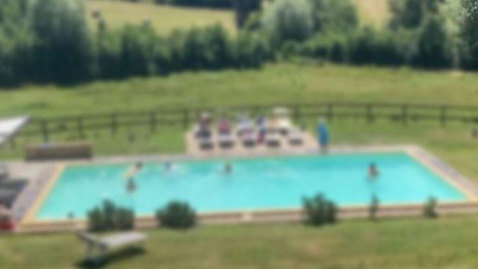 Tragedia a Città di Castello, bambino di 6 anni muore annegato in piscina