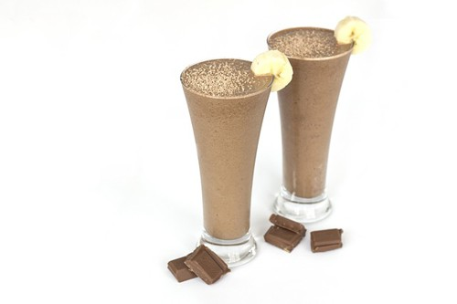 banana chocolate protein smoothies