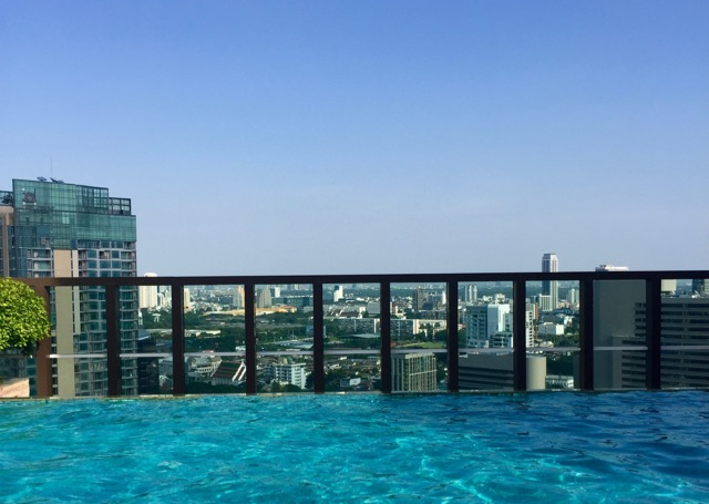 View-from-bangkok-rooftop-pool