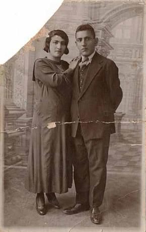 Genç Antaram ve Hmayak Boğosyan çifti 1920'lerin başında kendilerine İstanbul'da yeni bir hayat kurmayı zor da olsa başarmış.