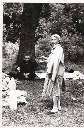 Antaram ve Hmayak, bizim zamanında sadece 'koru' dediğimiz bugünün Fethi Paşa Korusu'nda piknikte, 1960'lar