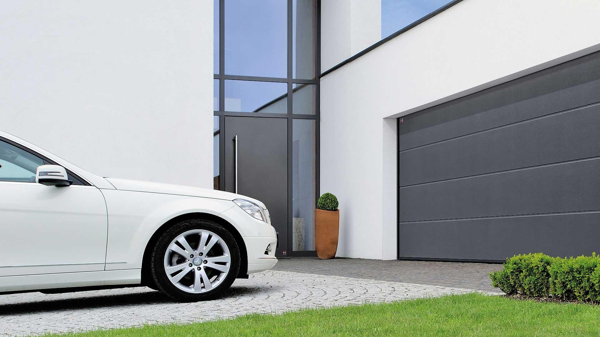 garage-door-mercedes