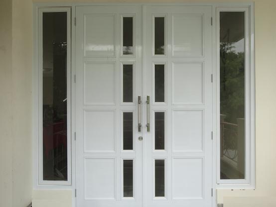 pintu utama rumah aluminium