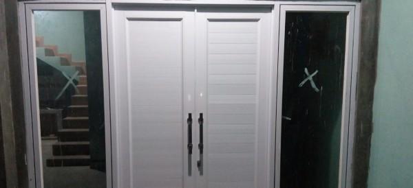 gambar pintu panel aluminium
