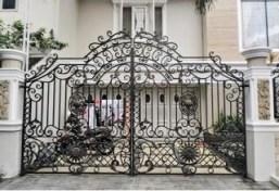Gerbang Besi Tempa