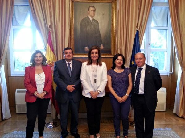 Reunión Ministra de empleo con los representantes de CERTIUNI