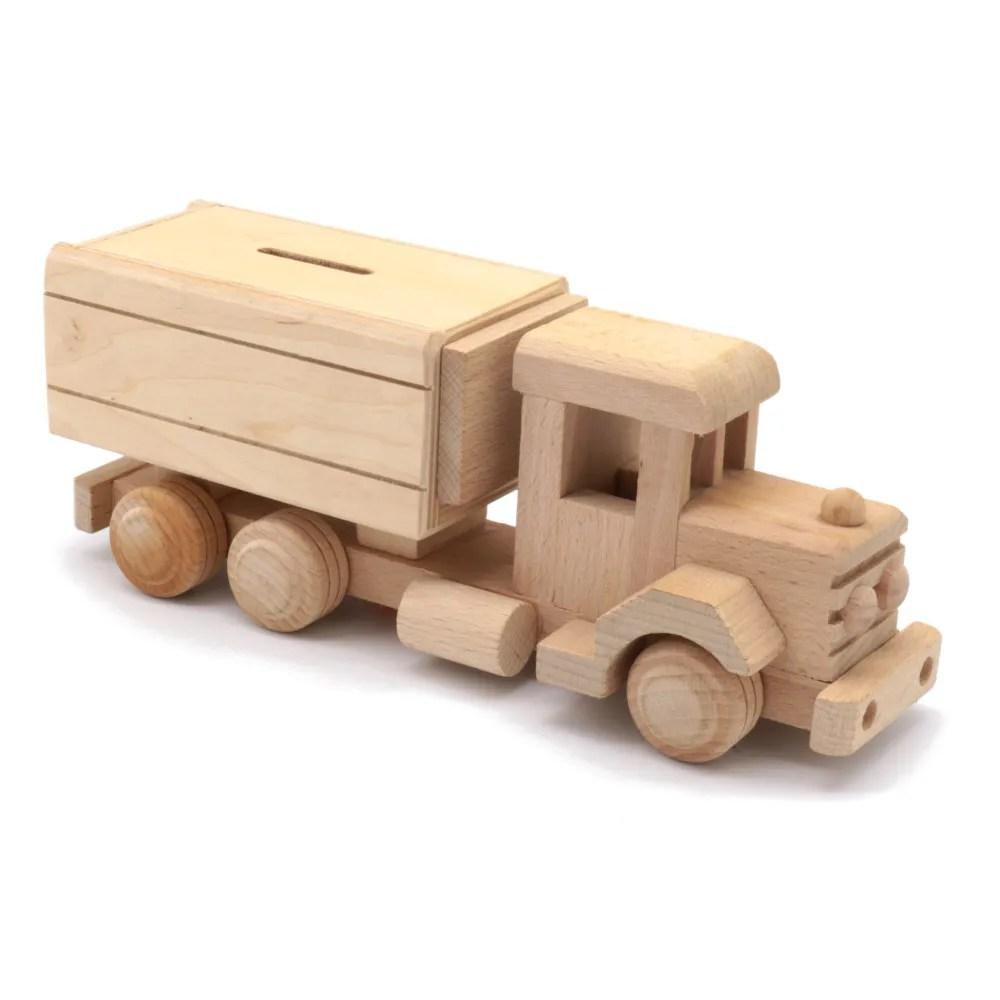 puidust mänguas