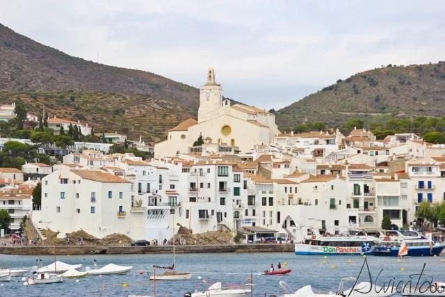 vista del pueblo de Dalí