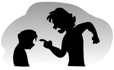 Resultado de imagem para mãe brigando