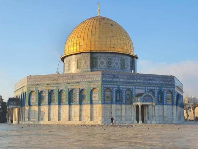 القرضاوي يدعو الحكام والشعوب لحماية المسجد الأقصى