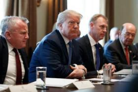 """ترامب خلال اجتماع """"الكابينيت"""""""